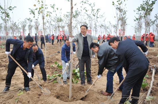 我办参加省直单位冬季义务植树活动.JPG